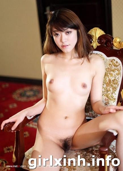 Hình ảnh vú đẹp - ngực to tròn khủng của girl xinh 46