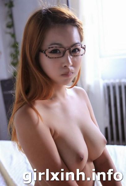 Hình ảnh vú đẹp - ngực to tròn khủng của girl xinh 2